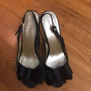 Me too black satin high heels sz 8 1/2